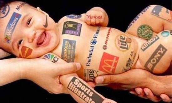 Het onderscheid tussen reclame en informatie: maak het de criticasters niet te gemakkelijk!